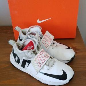 "Nike Shoes - Nike Kids' Grade Team Hustle ""Just Do It"""